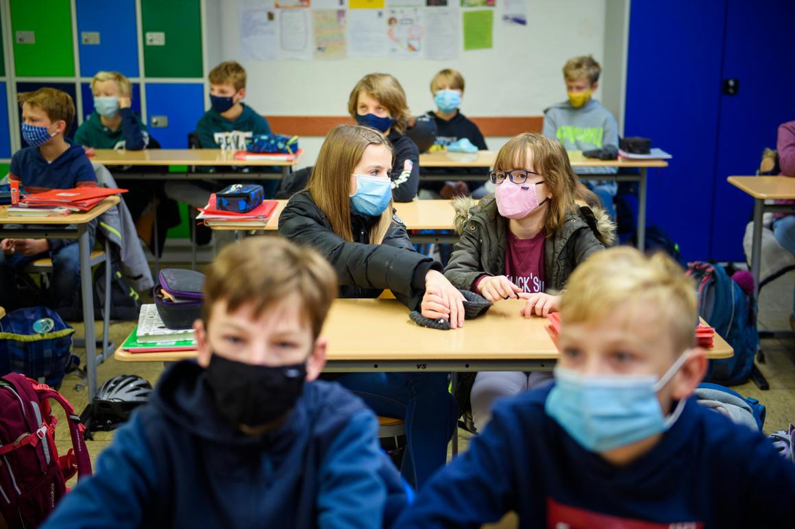 Mennyire fertőznek a gyerekek, és indokolt-e az iskolák bezárása?