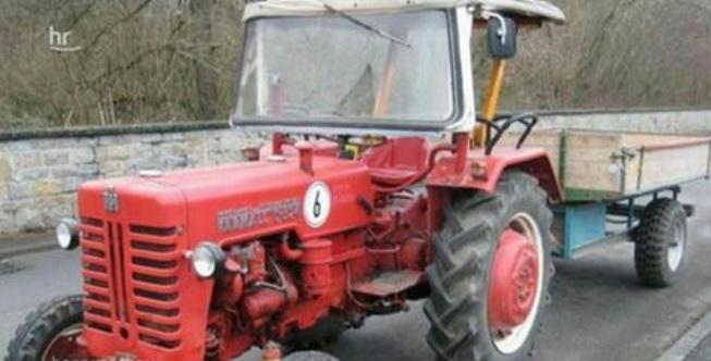 Rejtélyes okokból lezúzott hat sebességmérő oszlopot egy német traktoros