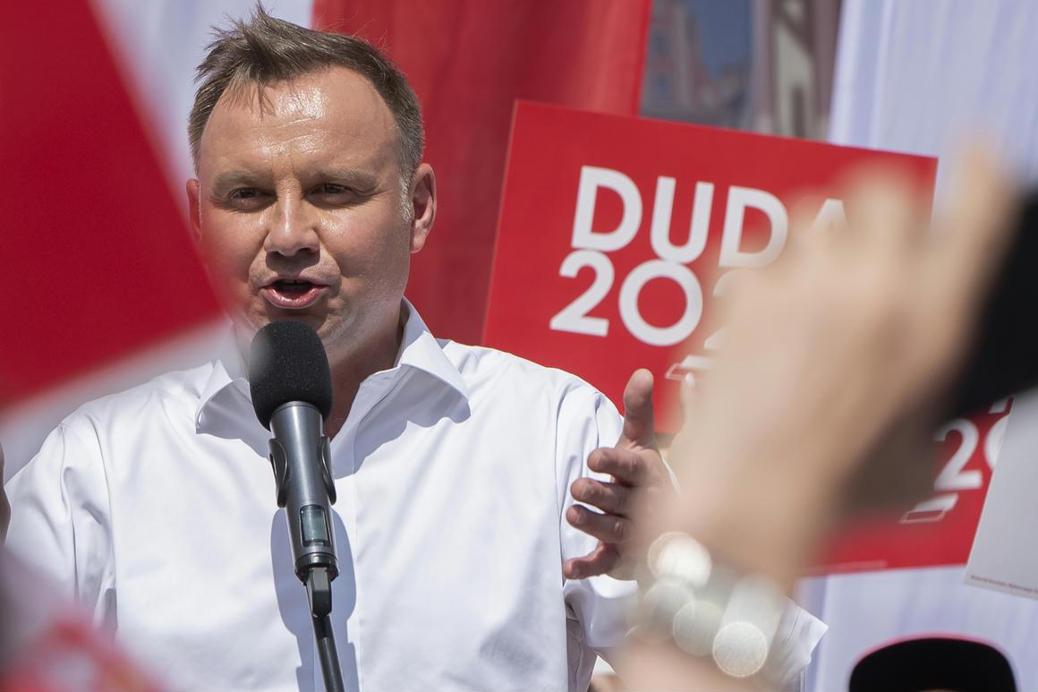 Az ellenzék erősödött, de nem eléggé, Kaczyńskiék fölpörgethetik a megmaradt ellensúlyok fölszámolását