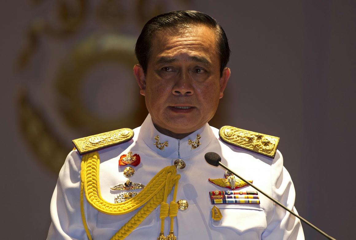 A thaiföldi miniszterelnök bejelentette a katonai junta végét