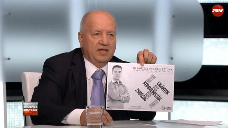 Korózs Lajos elnézést kért, amiért egy photoshoppolt horogkereszttel mutatta be a Jobbik múltját
