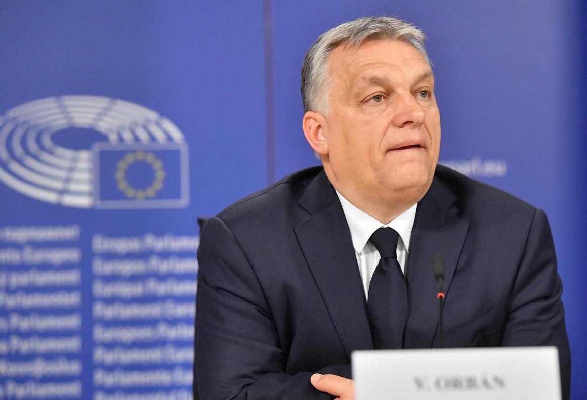 Manfred Weber szerint világos döntést hoztak: nem a Fidesz függesztette fel magát, hanem az Európai Néppárt a magyar kormánypártot