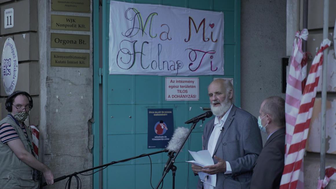 A IX. kerület polgármestere 1,5 millió forinttal támogatja Iványi Gábor egyesületének