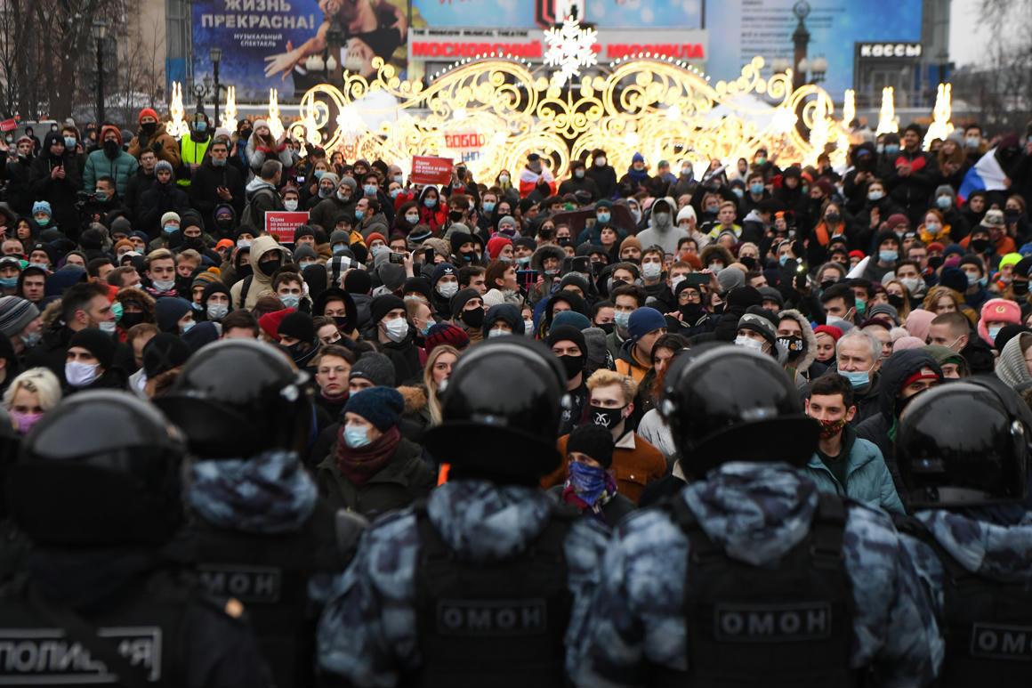 Több tízezer tüntető, kétezernél is több letartóztatás: rég nem volt ekkora Putyin-ellenes megmozdulás