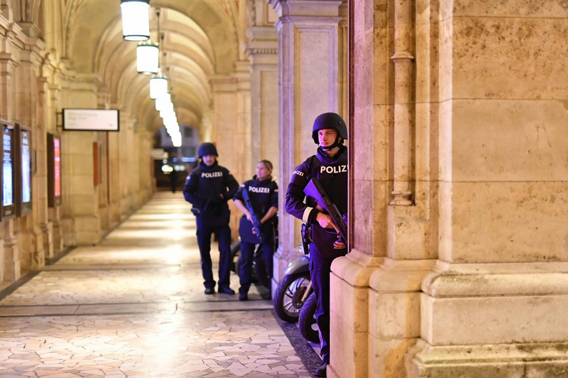 Ausztria összes zsinagógáját bezárták a terrortámadás miatt