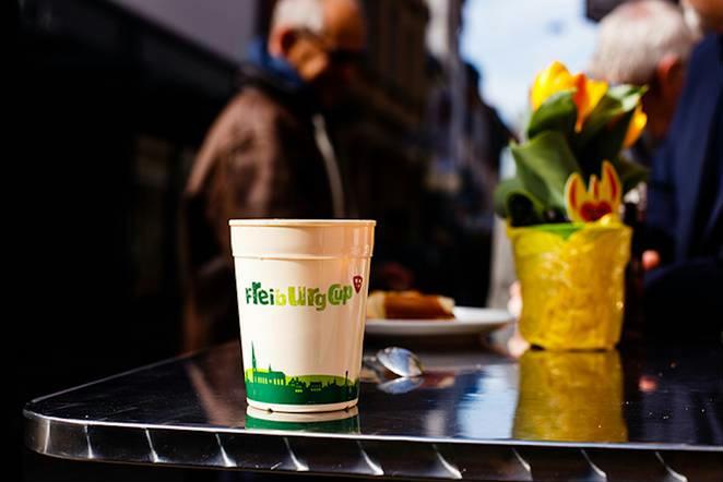 A freiburgi visszaváltható poharak