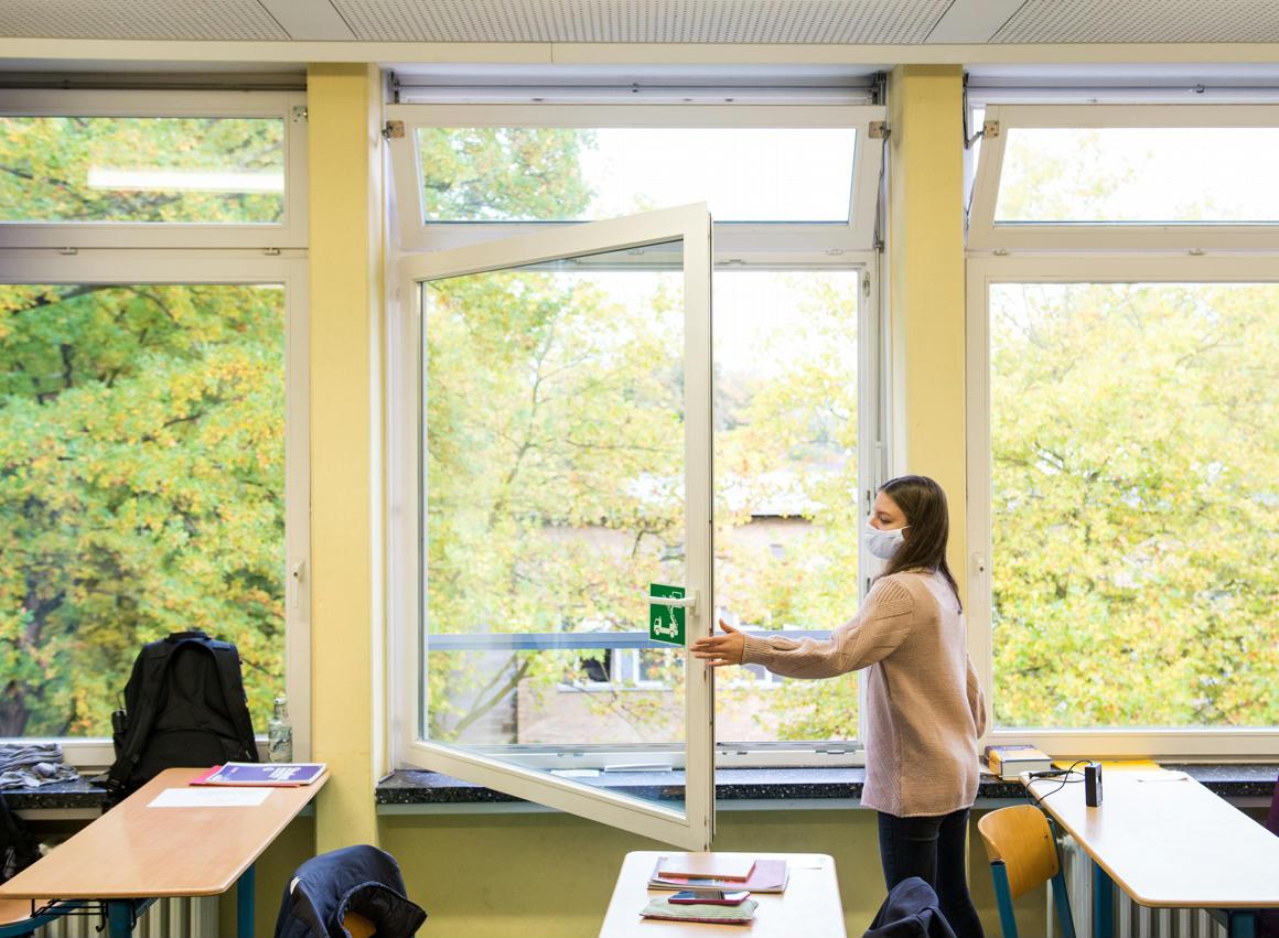 PDSZ: Ez a 19-ei nyitás orosz rulett a tanárokkal, a diákokkal és az idén érettségizőkkel szemben