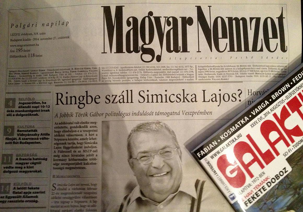d7bd6dcb344a Simicska itt épp saját lapja, a Magyar Nemzet címlapján 2014. november  27-énFotó: 444