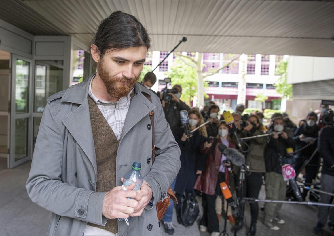 Bíróság elé állították a német hadnagyot, aki szír menekültnek adta ki magát – 444