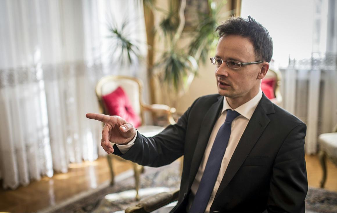 Szijjártó felvonta a horgonyt, és azzal a lendülettel bekérette a német nagykövetet