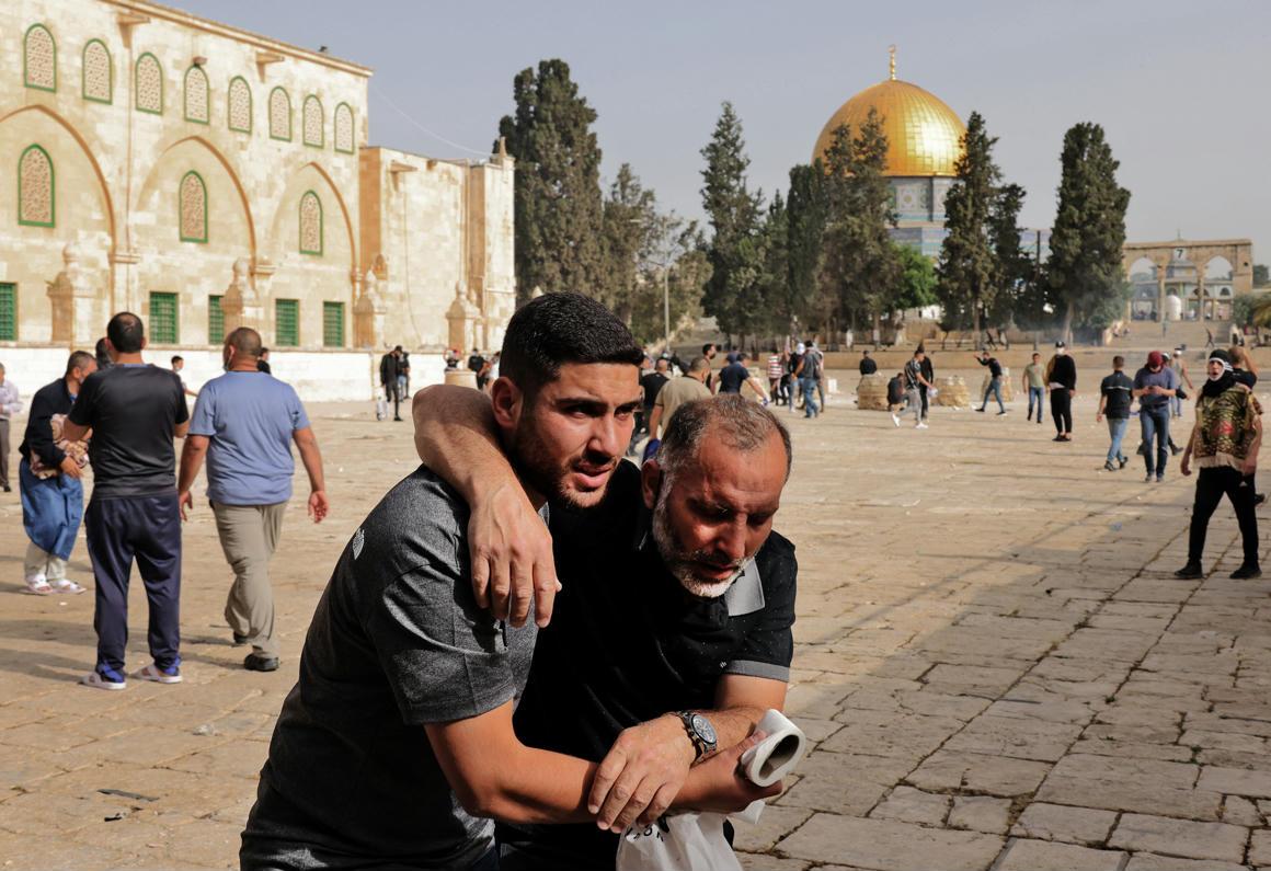 Több ezer palesztin barikádozta el magát Jeruzsálem óvárosában – 444