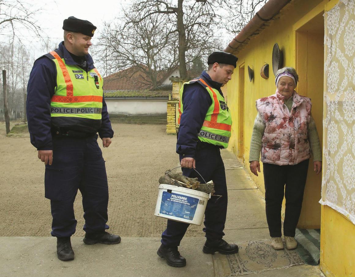 Biztos háttér a határvadászoknak | A Magyar Rendőrség