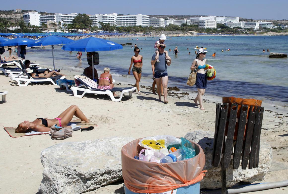 Ciprus költségtérítést ígér azoknak a turistáknak, akik náluk kapják el a koronavírust
