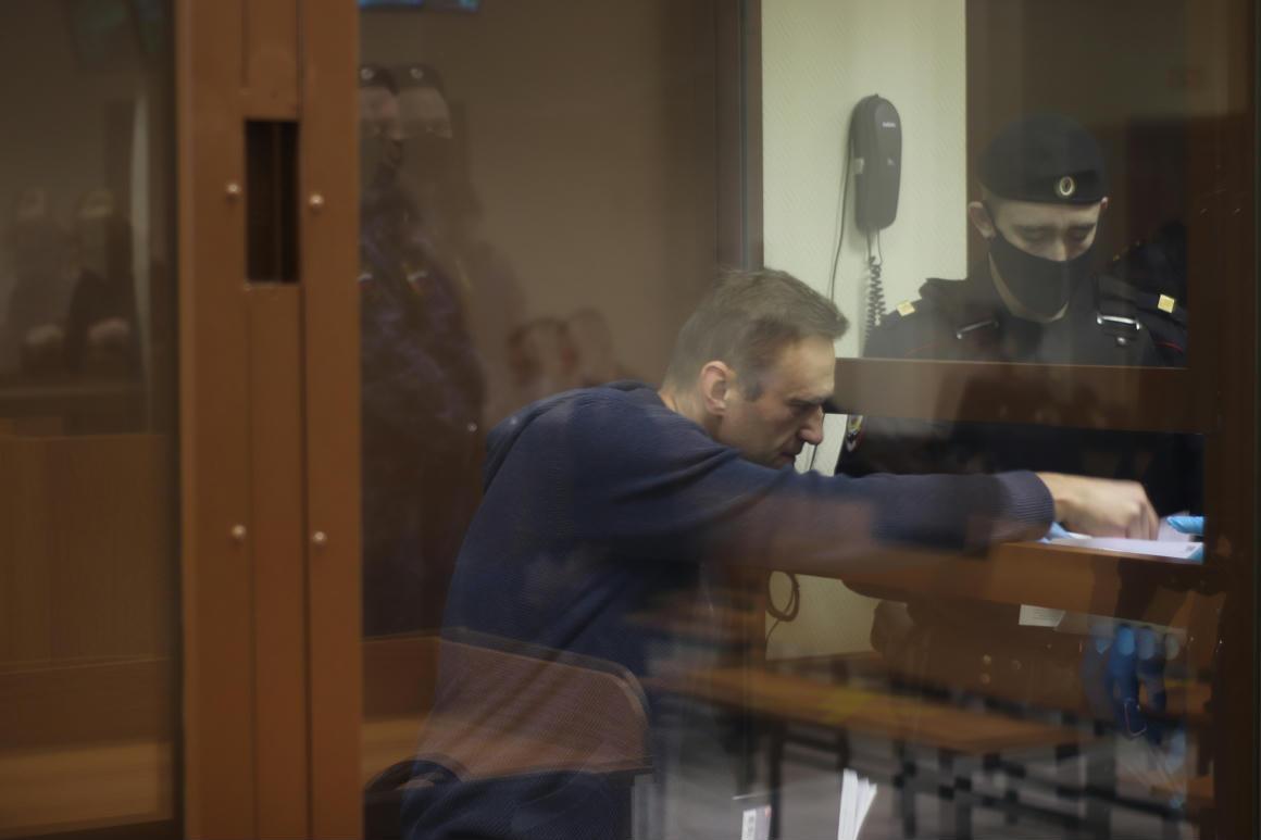 Navalnijmár nem érzi a lábát és a kezét sem