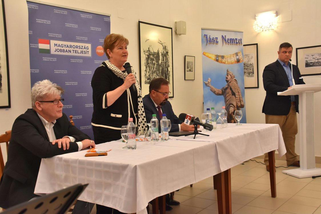 Szili Katalin fideszes fórumon kampányolt
