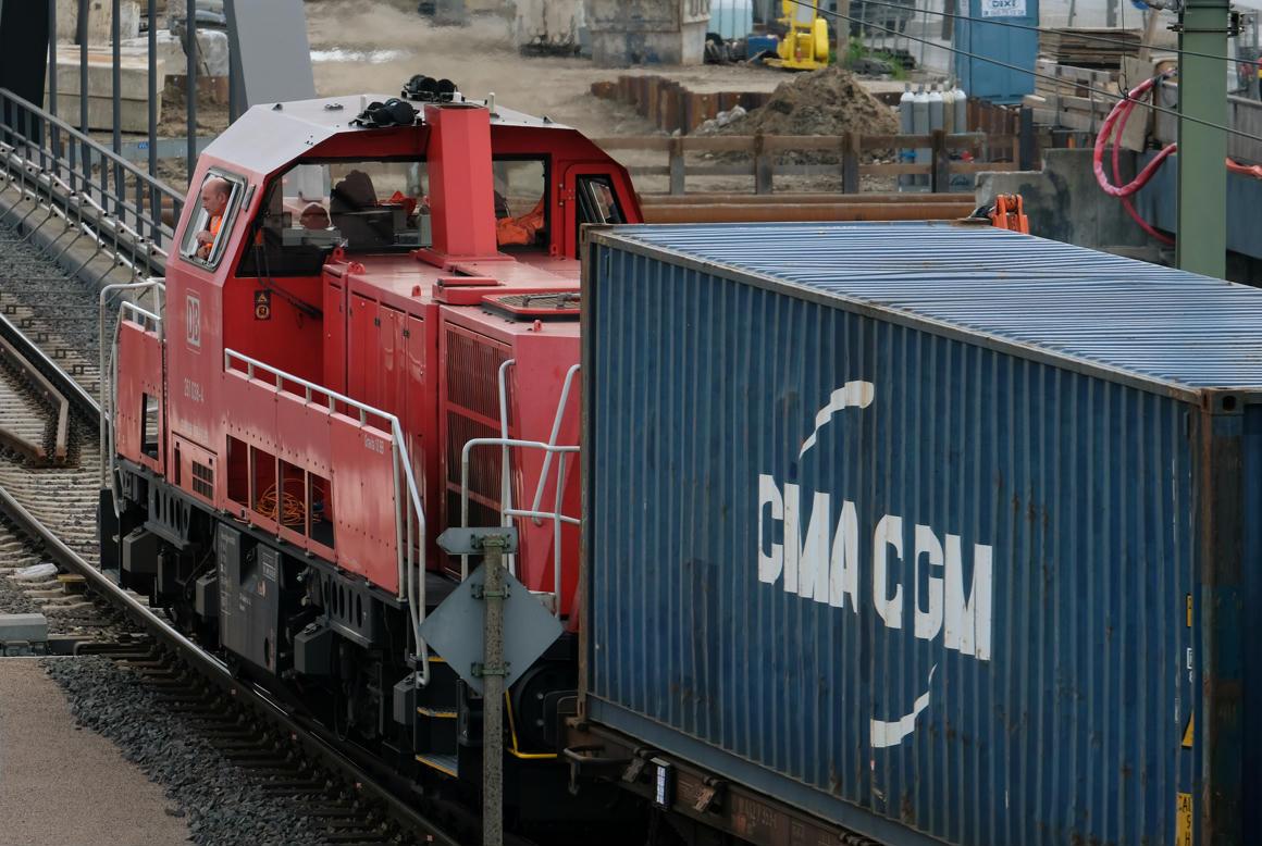 Több mint 1000 perc késést okozott Münchenben c0425a3403