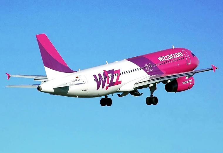 Népszava: hétmilliárdért szállította a védőeszközöket a Wizz Air