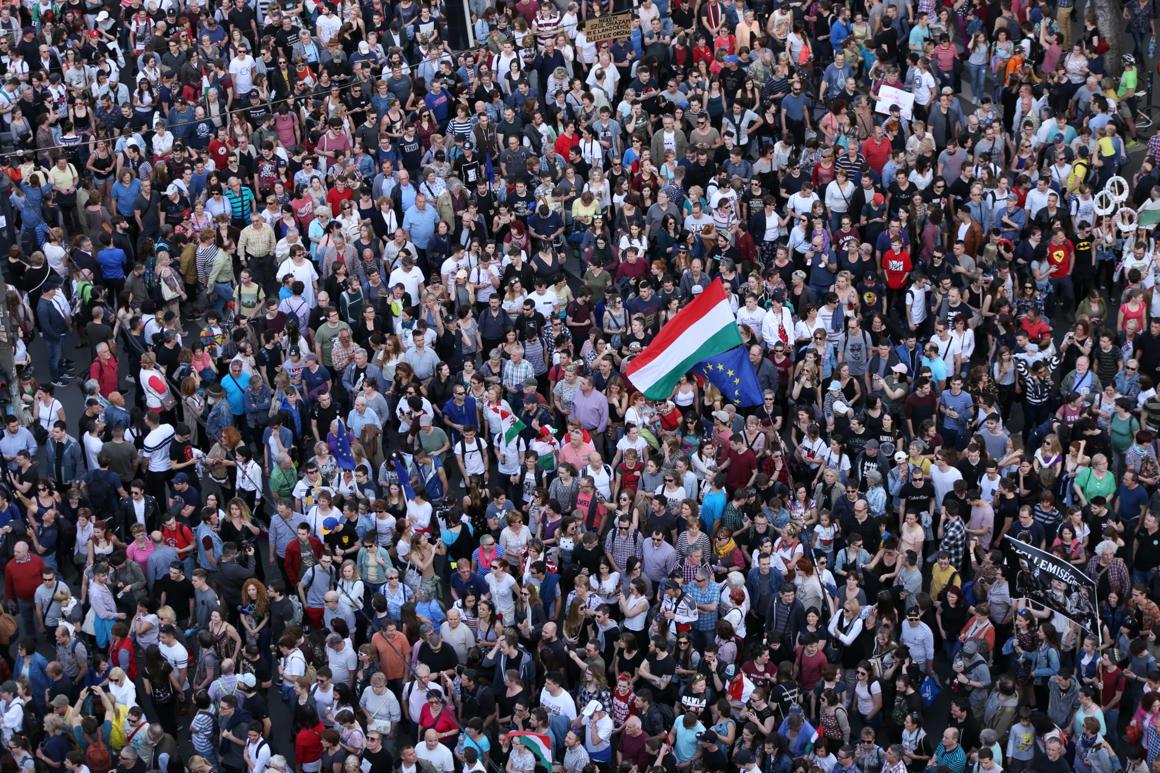 """Képtalálat a következőre: """"mi vagyunk a többség tüntetés"""""""