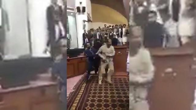 sérült katonák randevúk dal lányról, aki valakivel randevúzik