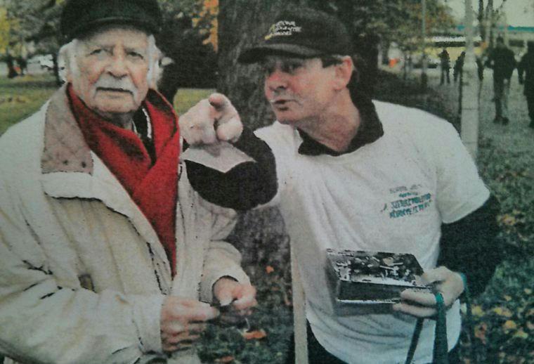 Vasárnap lombgyűjtés közben még a százéves Bálint gazdát is felköszönthetik
